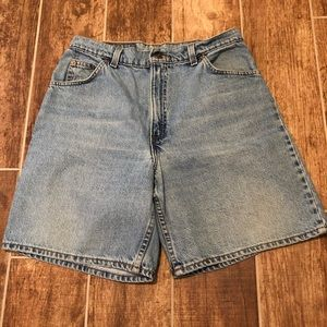 Vintage LEVIS Women's High waisted Mom Jean Shorts